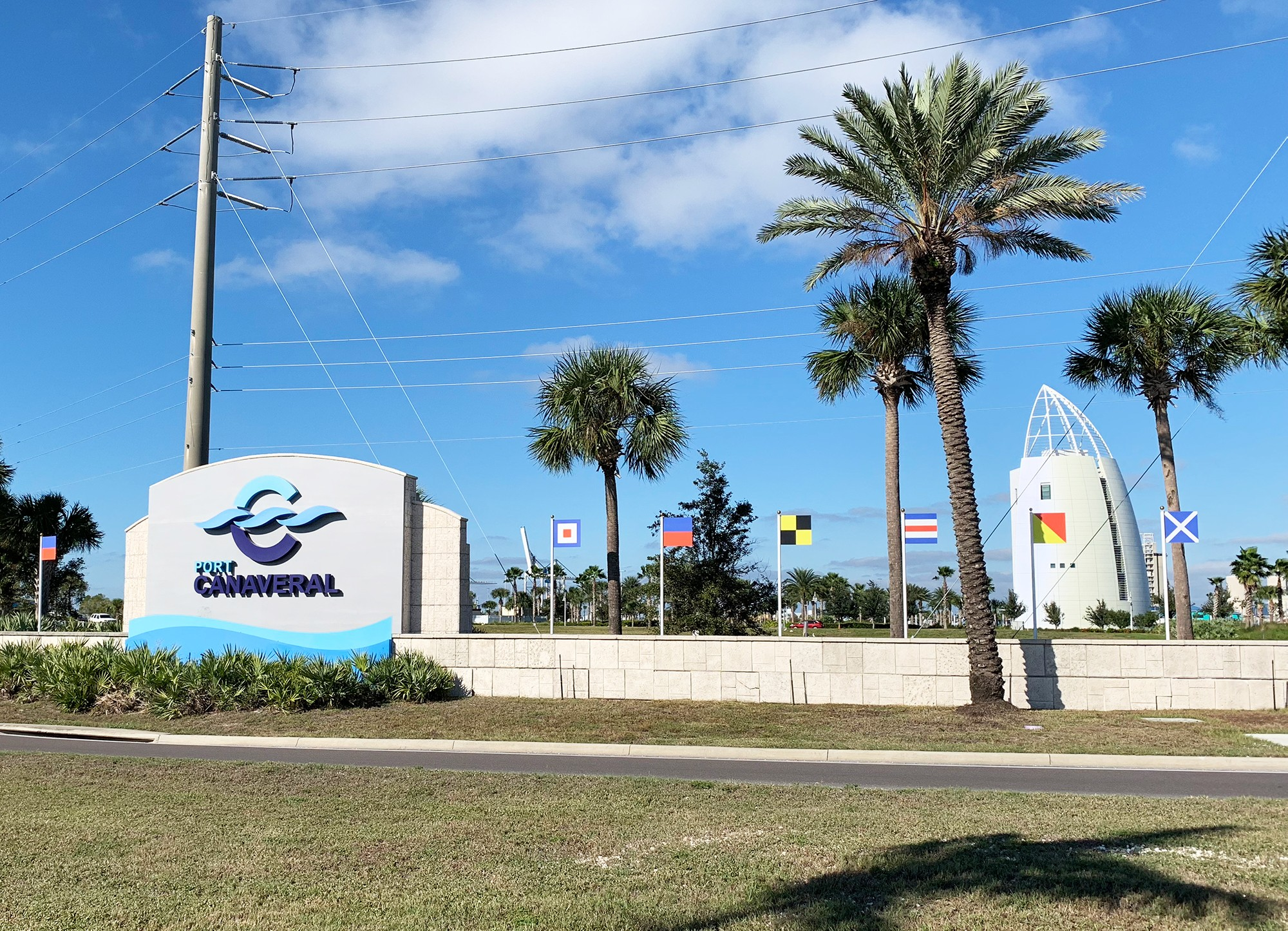 Best Way from Orlando Airport to Cruise in Port Canaveral